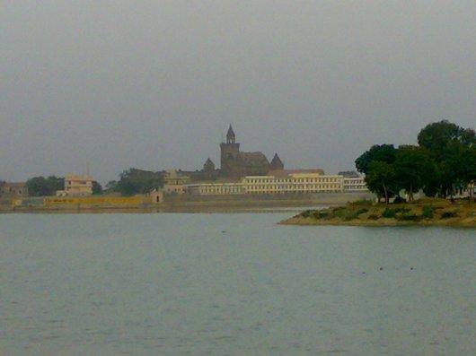 Praag Mahal & Hamirsar Lake