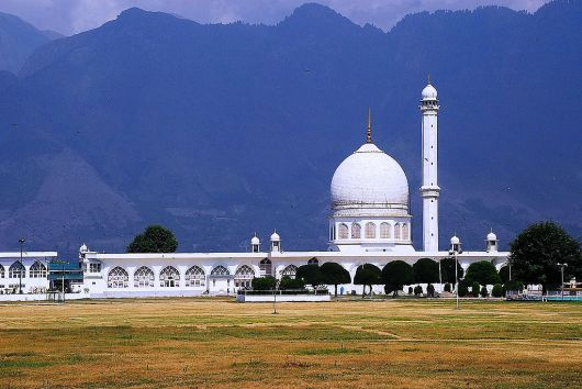 Hazratbal Shrine In Srinagar Kashmir