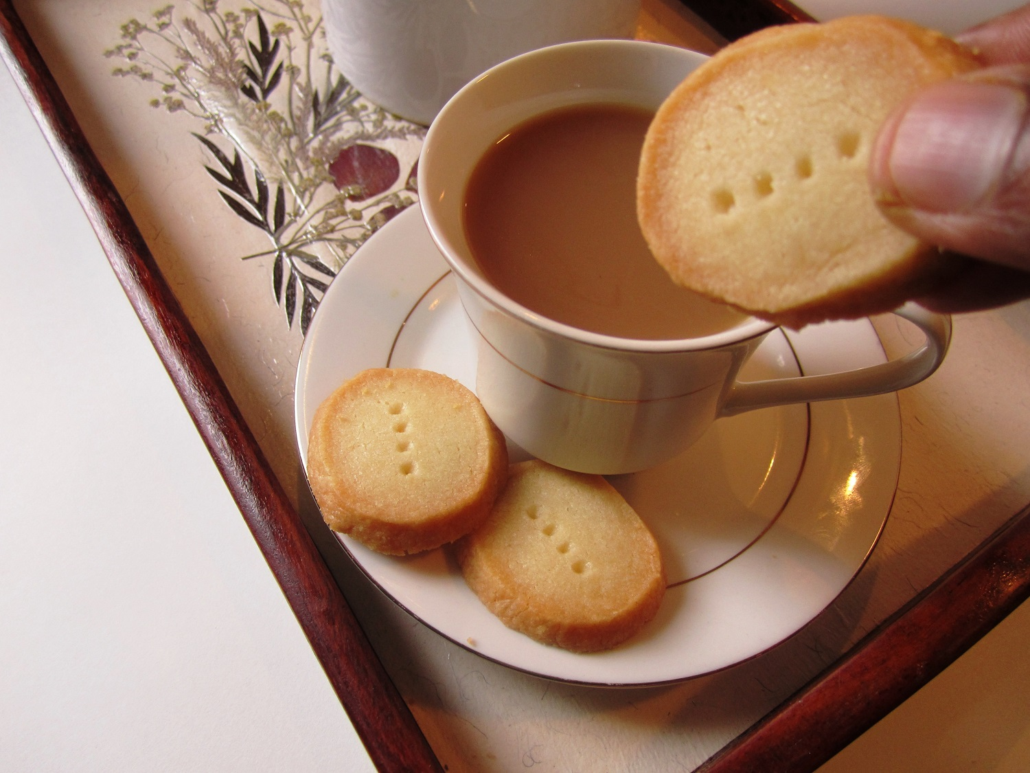 Tea And Biscuits | Image Resource : spiceindiaonline.com