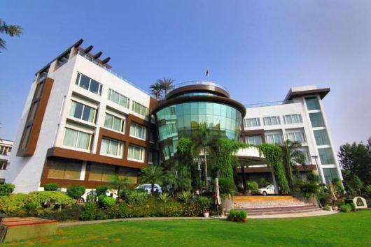 hotel-dayal-paradise-lucknow
