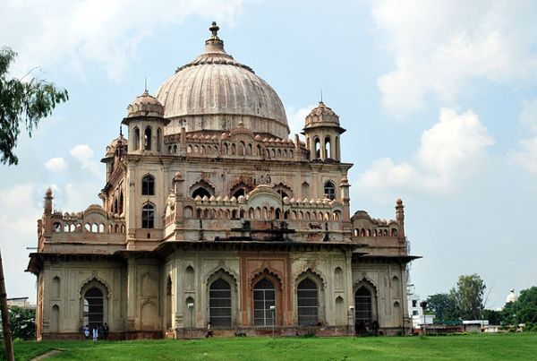 Tomb of Saadat Ali Khan Lucknow