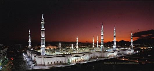 Mecca Masjid Hyderabad in Night