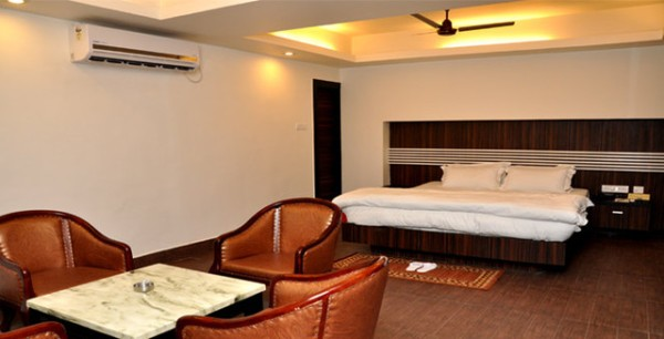 view-of-luxury-emerald-hotel-rooms