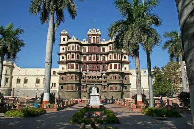 view-of-rajwada-palace-inodre